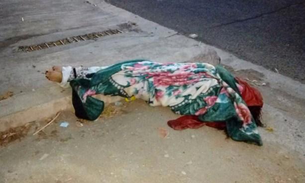 Localizan cadáver de un trasvesti envuelto en sábanas sobre Bypass de Chalchuapa, Santa Ana