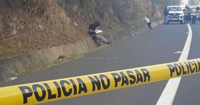 Hallan cadáver mutilado y distribuido en dos bolsas en carretera de Oro