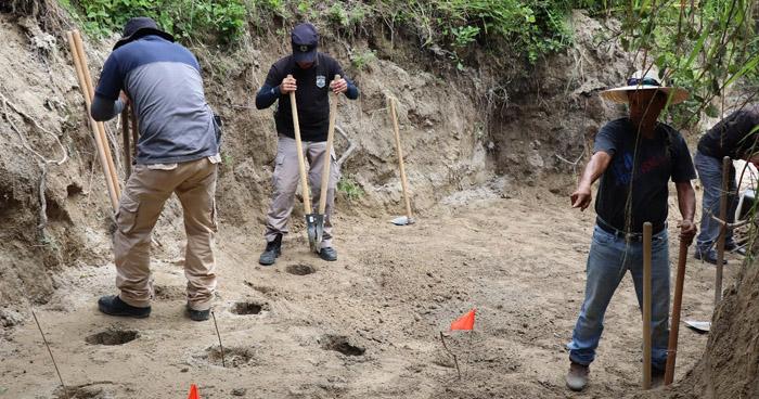 Encuentran otros 4 cadáveres en cementerio clandestino de Vista al Lago