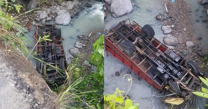 Conductor muere al caer de un puente en San Juan Tepezontes, La Paz