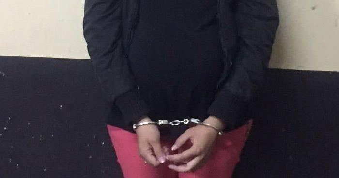 Capturan a mujer que golpeaba a su pareja en Sonsonate