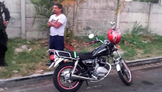 Capturan a hombre que asaltaba a transeúntes en colonia Quezaltepec