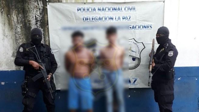 Capturan a dos menores de edad implicados en el asesinato del agente policial en La Paz