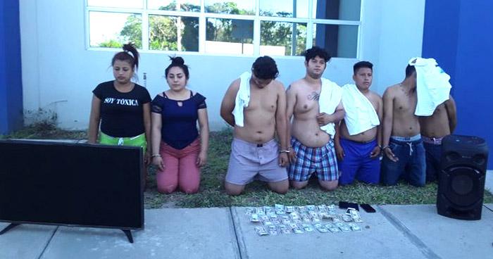 Capturados cuando transportaban una TV y dinero en efectivo de dudosa procedencia