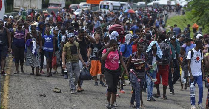 Nueva caravana migrante avanza desde el sur de México