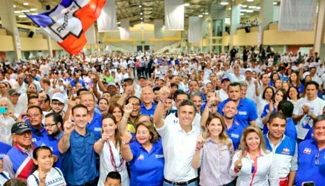 Carlos Calleja gana las elecciones internas de ARENA y se convierte en el candidato oficial del partido