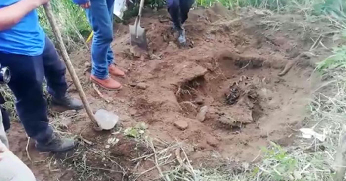 Encuentran 6 osamentas en cementerio clandestino en San Miguel