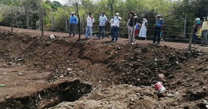 Comunidades se oponen a que realicen fosas para sepultar a fallecidos por COVID-19