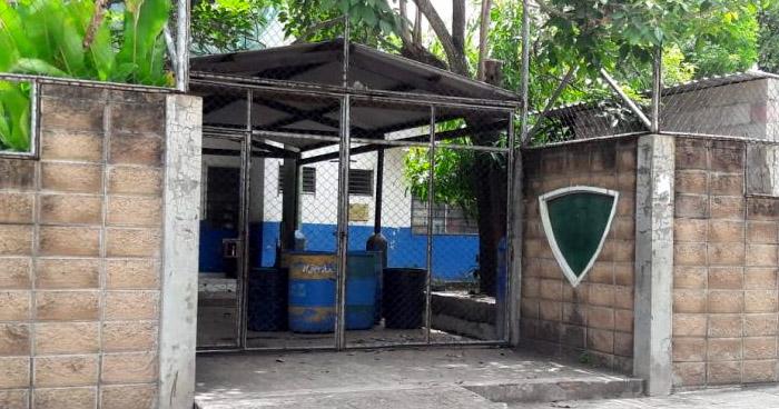 Suspenden clases en centro escolar de San Juan Opico ante la amenaza de un artefacto explosivo al interior