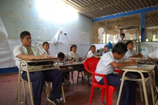Centros Educativos en Usulután serán renovados con Fomilenio II