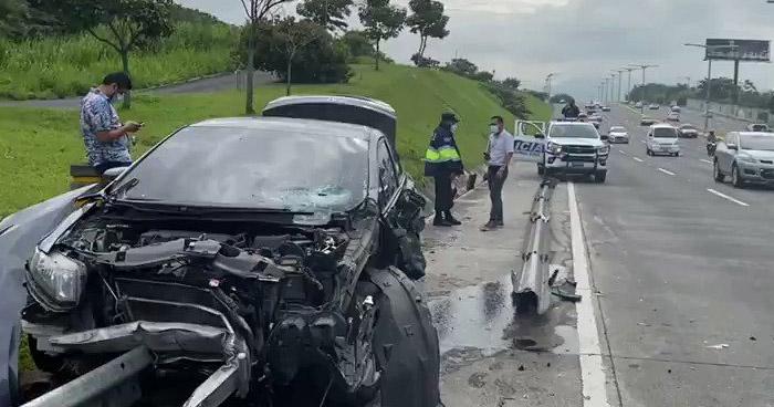 Cuantiosos daños tras varios accidentes registrados este sábado