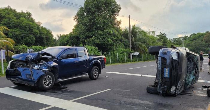 Choque y vuelco de un vehículo en carretera a Zacatecoluca deja un lesionado