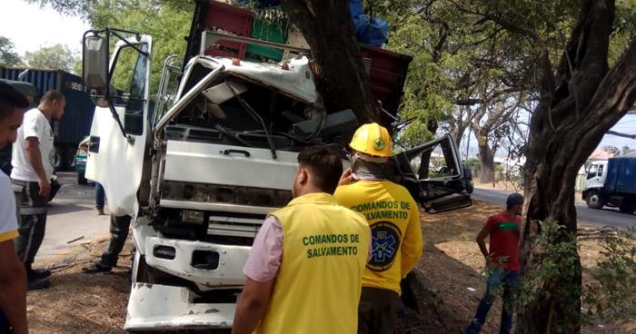 Dos lesionados tras múltiple accidente en Ciudad Arce