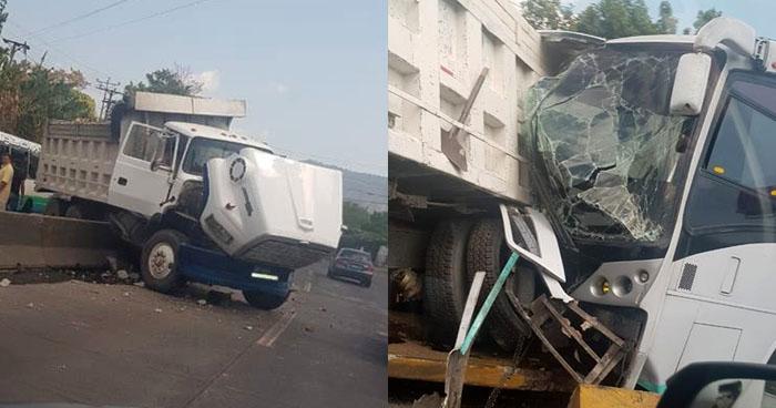 Varios lesionados tras choque entre autobús y camión en carretera Los Chorros