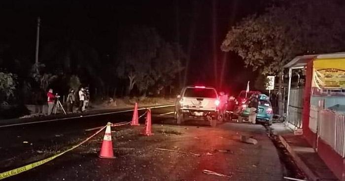 Un fallecido y otro lesionado tras aparatoso choque en Olocuilta, La Paz