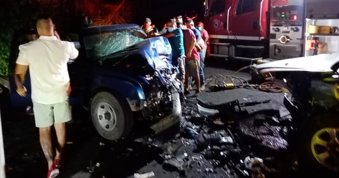 Tres lesionados tras fuerte choque en carretera Panamericana