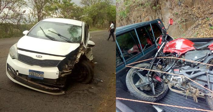 Motociclista lesionado al chocar contra un vehículo en carretera de Usulután