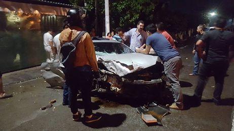 Hombre bajo los efectos del alcohol se salva tras choque en autopista a Comalapa