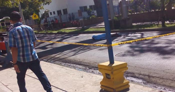 Muere ciclista al ser atropellado por un autobús en el Puerto de La Libertad