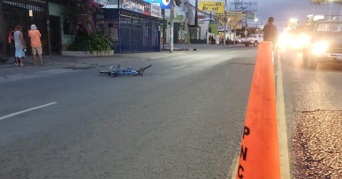 Hombre pierde la vida al ser arrollado sobre avenida Roosevelt, en San Miguel