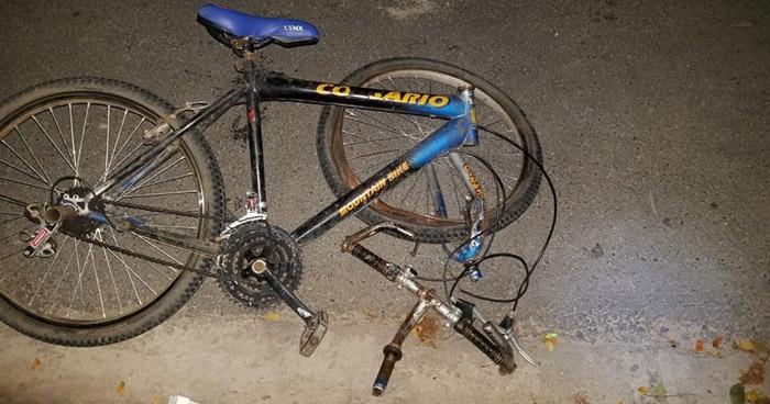 Ciclista muere atropellado en carretera de Amayo a Chalatenango