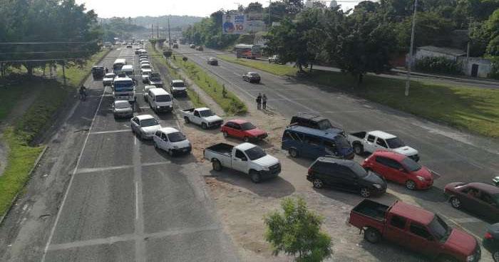 Cierran carretera de Oro a la altura de San Martín en protesta en contra de la ruta 113