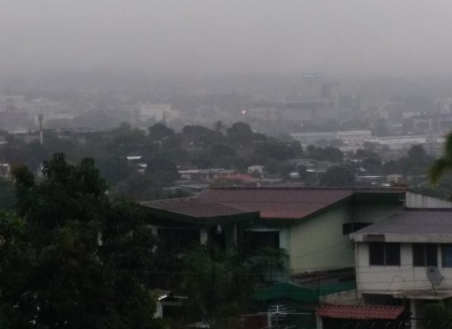 Tormentas para hoy serán influenciadas por Baja Presión y Onda Tropical