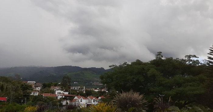 Probabilidad de lluvias aisladas con énfasis de la zona central, occidental y franja costera del país