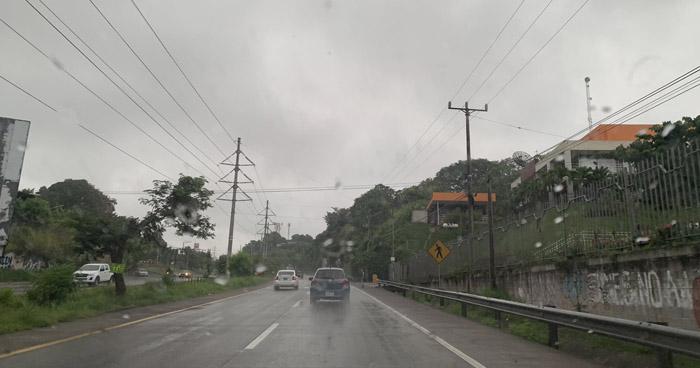 Paso de Onda Tropical continuará influenciando lluvias sobre el territorio nacional