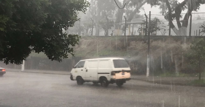 Vaguada favorecerán tormentas aisladas en la zona central y oriental de país