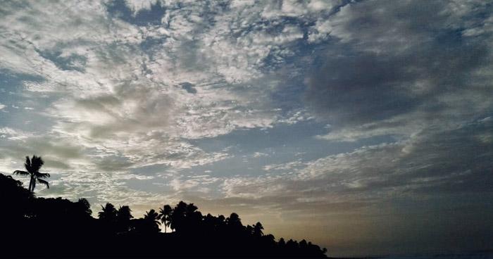 Desplazamiento de una Vaguada sobre El Salvador favorecerá la acumulación de humedad en franja central y norte del país