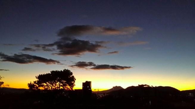 El ambiente continua cálido en horas del día y fresco en horas nocturnas
