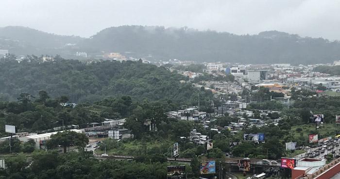 Onda Tropical iniciará su desplazamiento sobre El Salvador, favoreciendo al ingreso de humedad