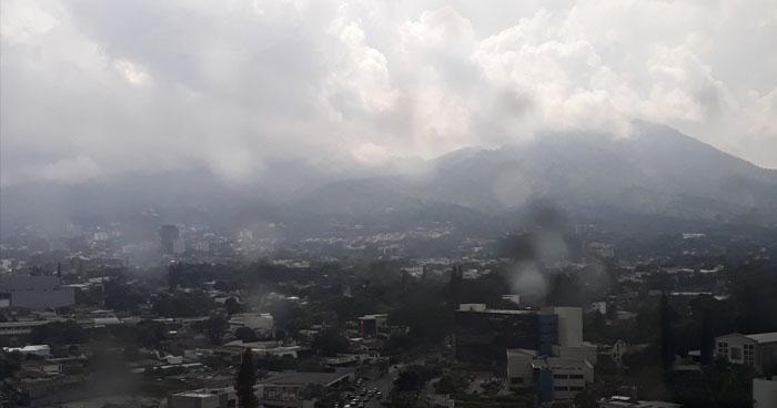 Probabilidad de lluvias tipo temporal a partir de horas del mediodía
