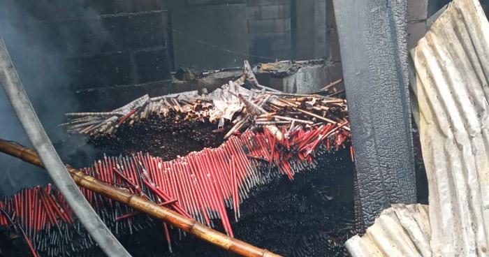 Incendio en cohetería causó daños en infraestructura de vivienda en Ciudad Delgado