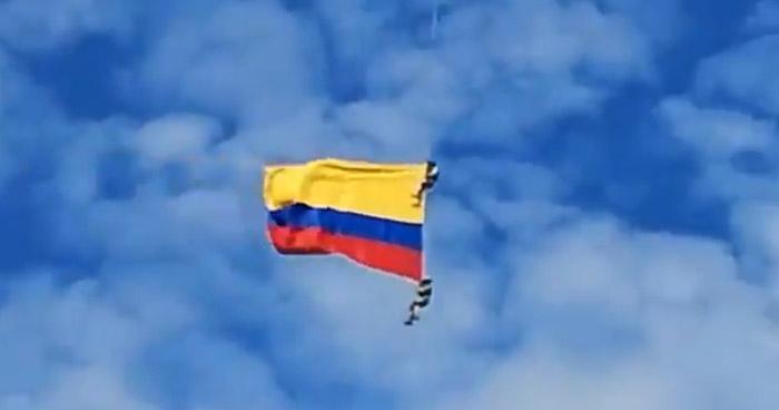 Militares colombianos murieron al caer de un helicóptero en acto oficial