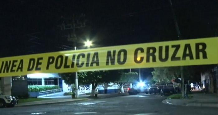Joven que visitaba a su familia fue asesinado en la Colonia Escalón, San Salvador