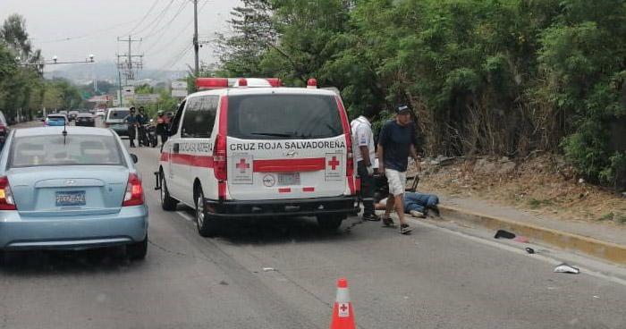Distribuidor de gas propano muere en accidente sobre carretera Comalapa