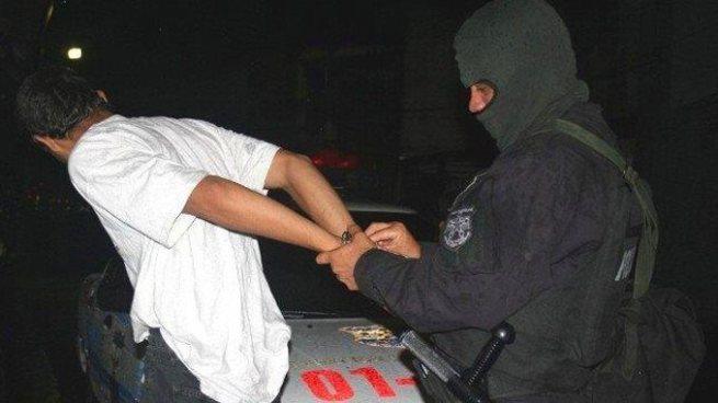 Prisión para hombre que violaba a su hijastra desde que tenia 10 años en Apopa