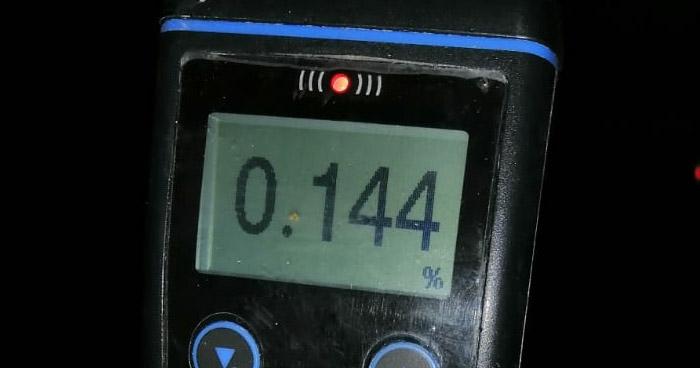 Dos detenidos por conducir con más de 100° de alcohol