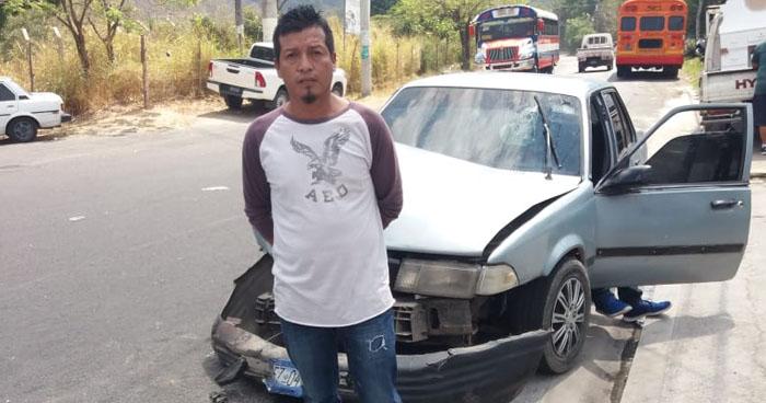 Hombre ebrio fue detenido luego de provocar un accidente en Santo Tomás