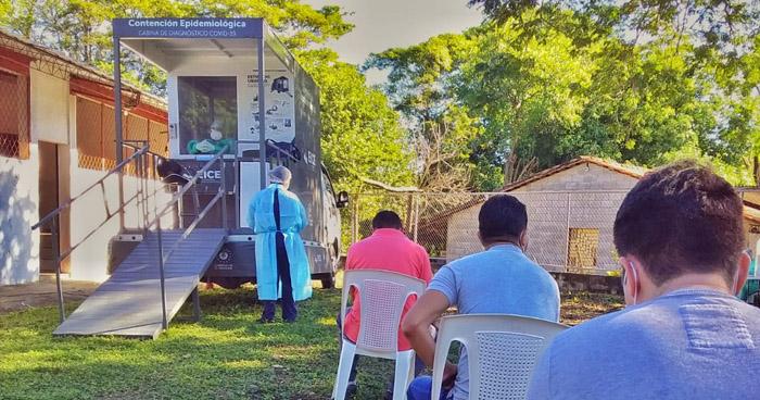 249 nuevos contagios y 5 decesos por COVID-19 registrados el domingo en El Salvador