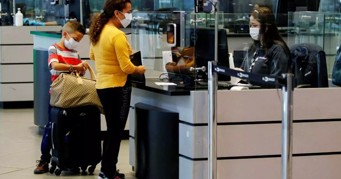 Colombia restringe entrada de extranjeros por COVID-19