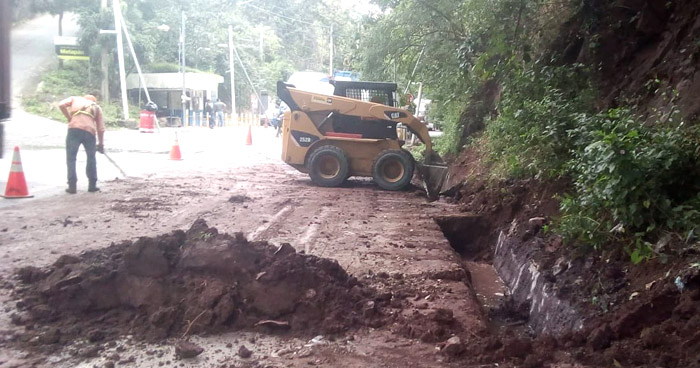 26 derrumbes, 6 carreteras y 26 nuevas calles afectadas por lluvia de las últimas horas