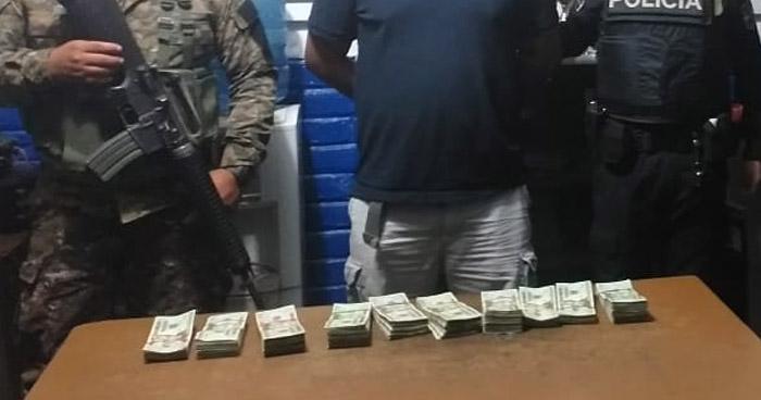 Transportaba $20,000 en efectivo de dudosa procedencia