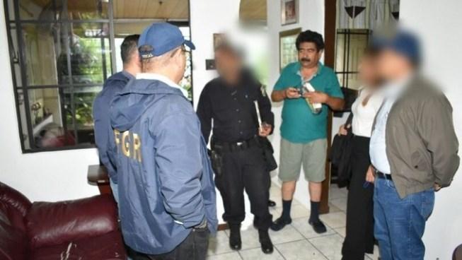 Detienen a 8 personas por contrabando, entre ellas una abogada y un oficial de aduanas