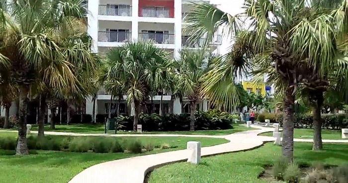 Encuentran el cadáver de un hombre al interior de una habitación de un hotel en Playa Salinitas, Sonsonate
