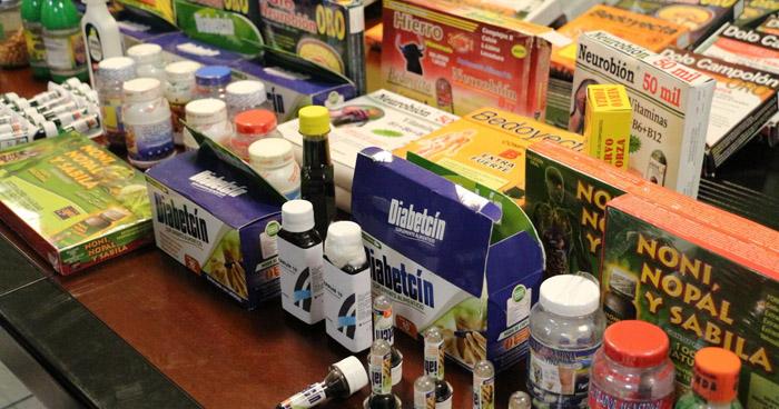 Decomisa medicamentos falsos en el Aeropuerto Internacional Monseñor Romero