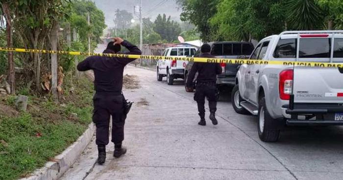 Jóvenes fueron asesinados anoche en El Rosario, La Paz