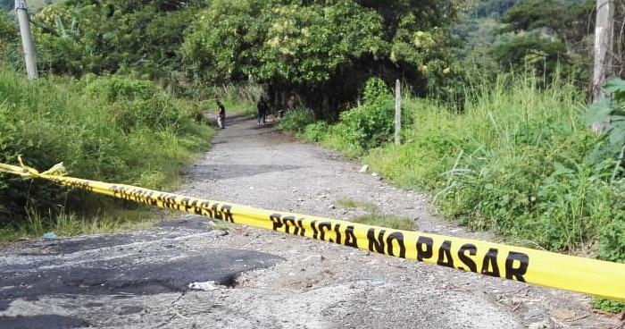 Irrumpen vivienda para asesinar a dos hombres en San Alejo, La Unión